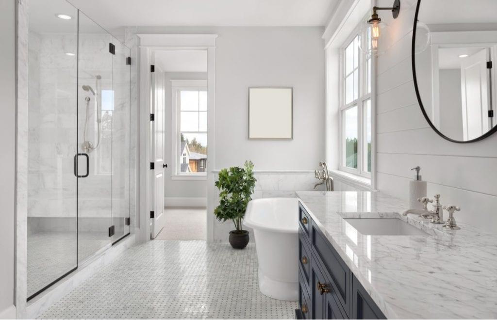 How to design a bathrom hamptons style